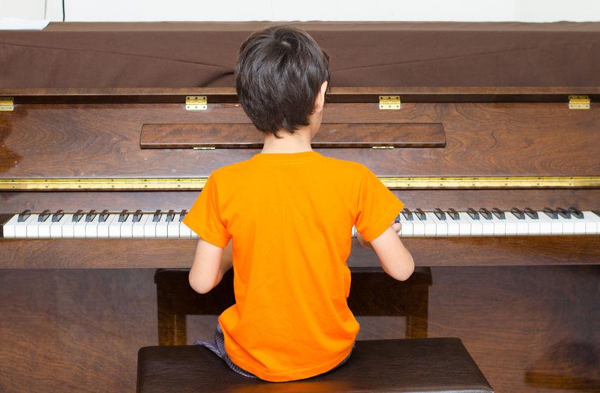 如何令孩子練琴